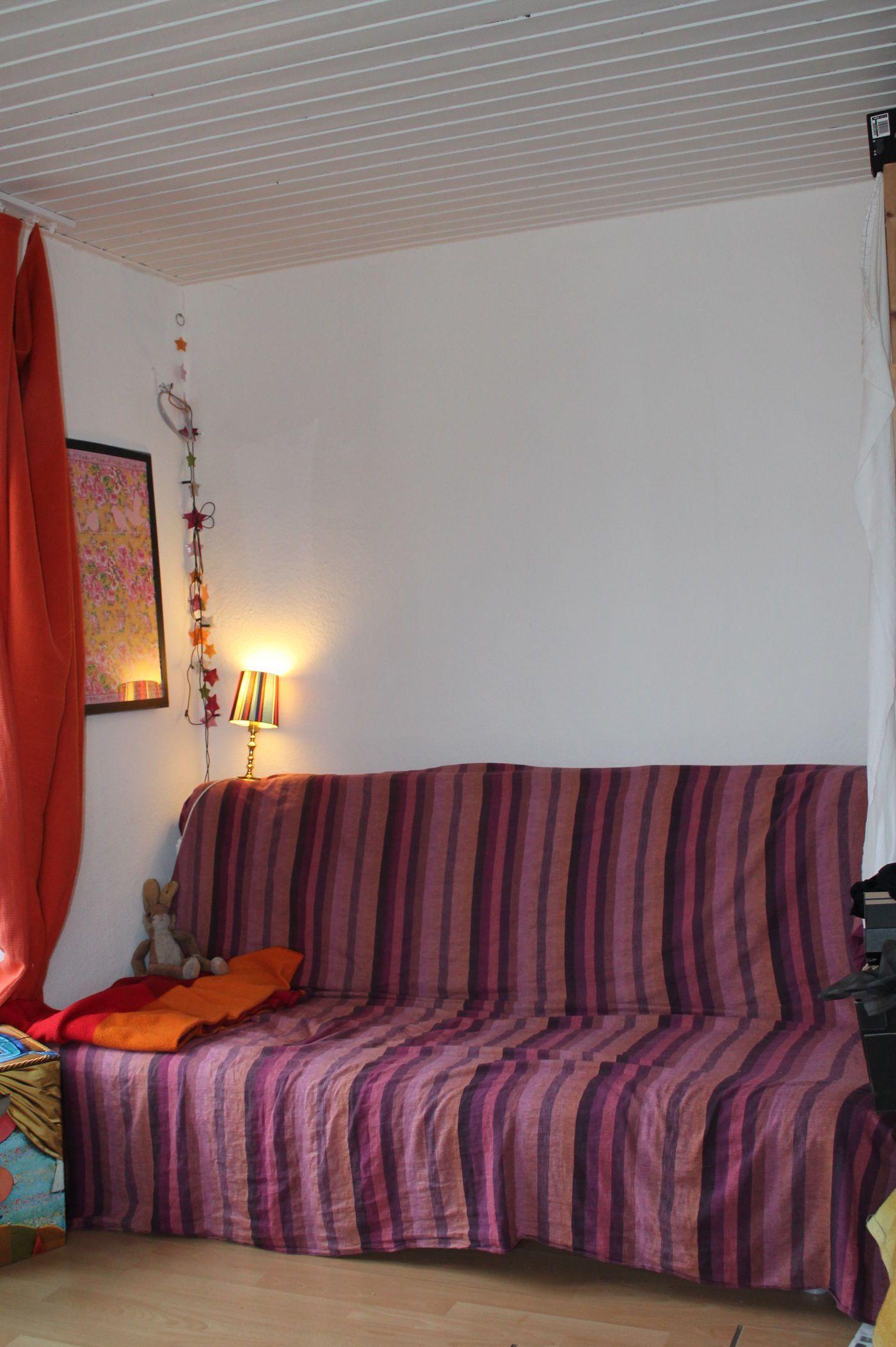 Kleines Wohnzimmer Mit Schlafecke