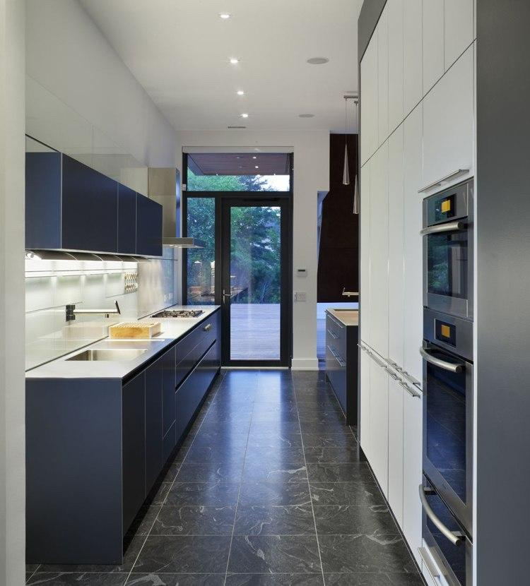 Küche Rote Bodenfliesen