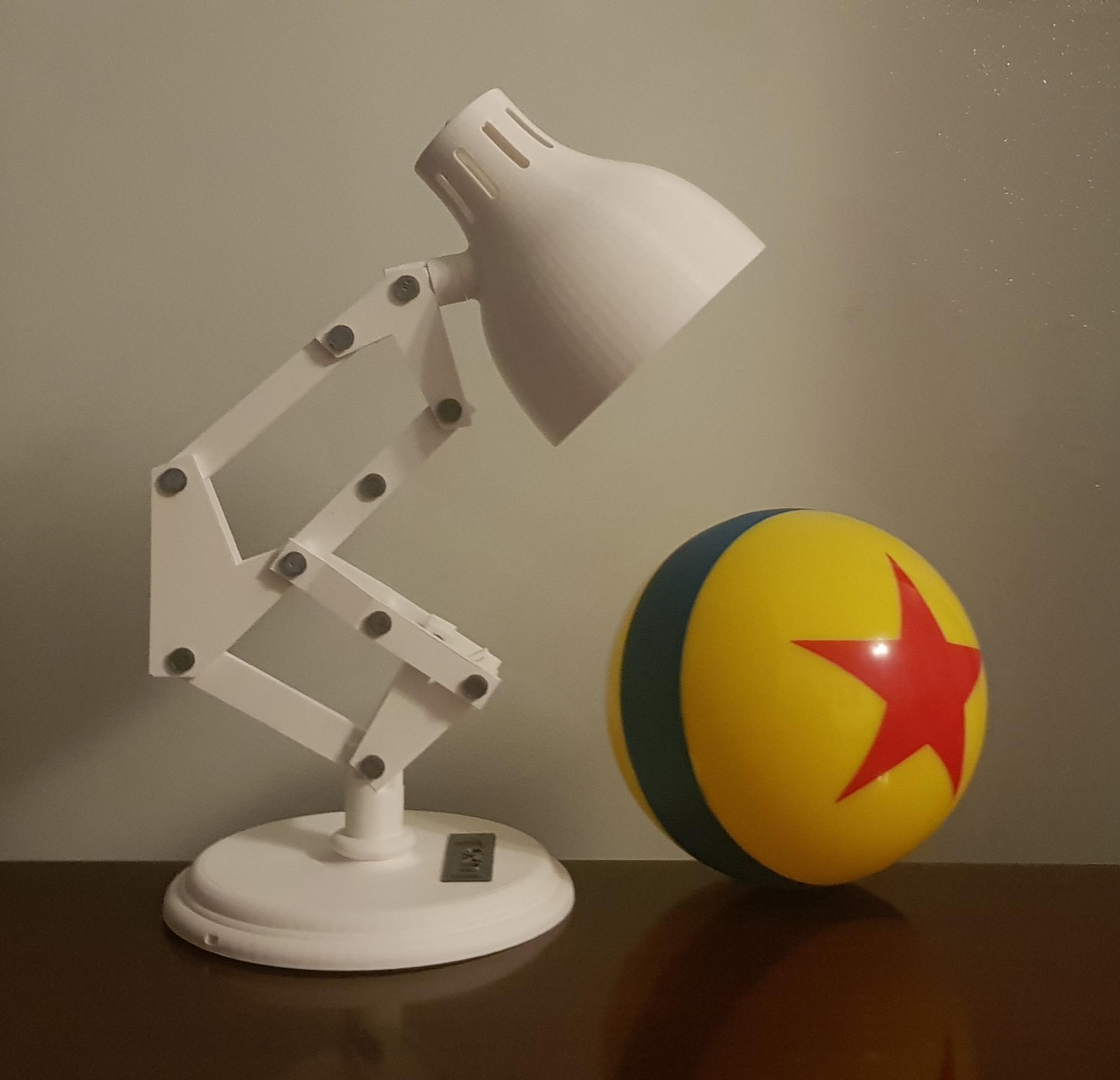 Lampe Luxo Pixar