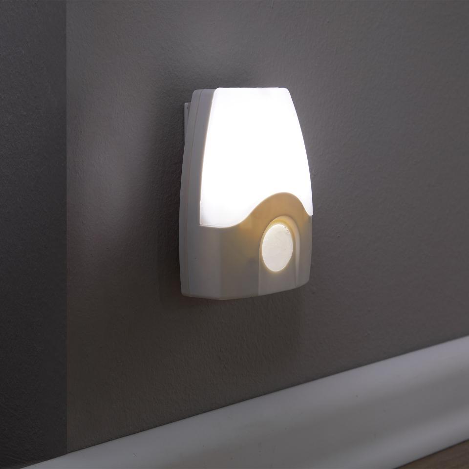 Lampe Mit Bewegungsmelder Innen Batteriebetrieben