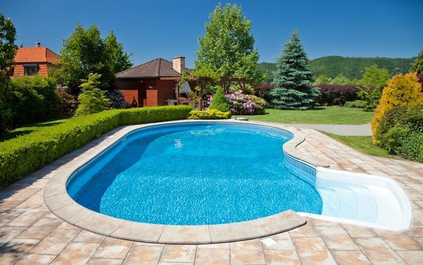 Modern Kleiner Pool Im Garten