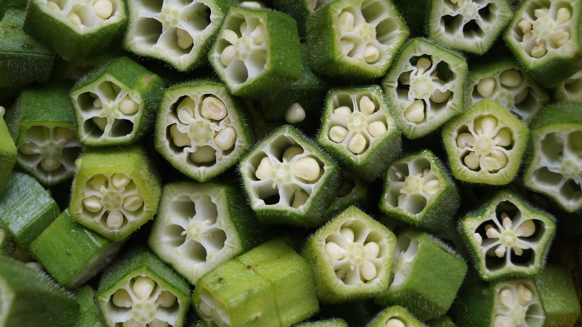 Okra Schoten Pflanze
