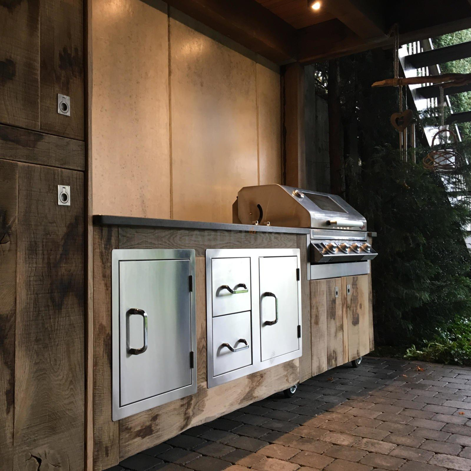 Outdoor Küche Holztüren