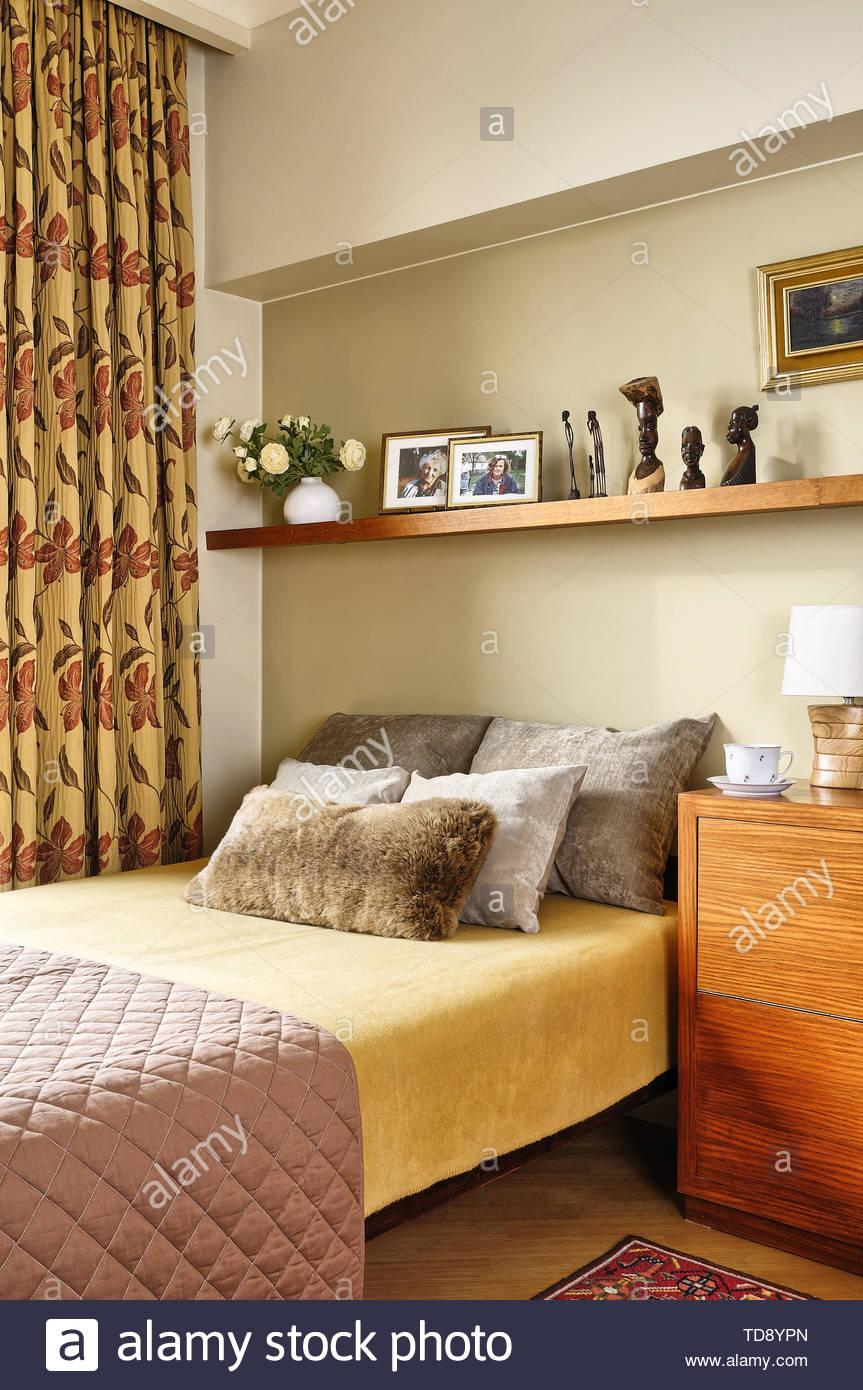 Regale Für Schlafzimmer