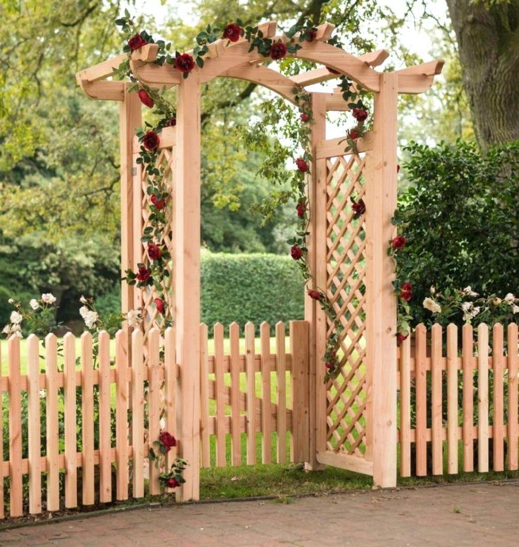 Rosenbogen Aus Holz Mit Tür