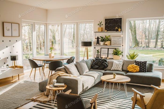 Runder Esstisch Wohnzimmer