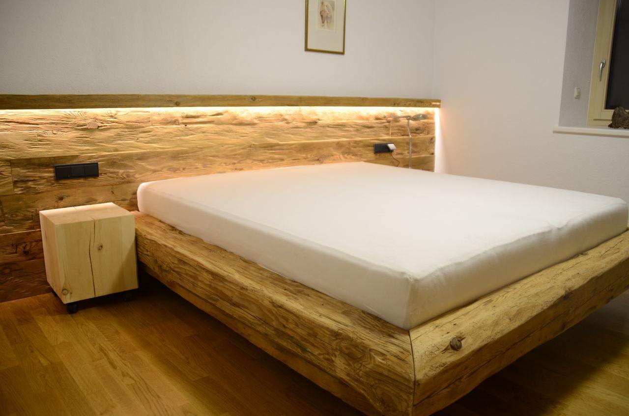 Rustikal Zirbenholz Schlafzimmer