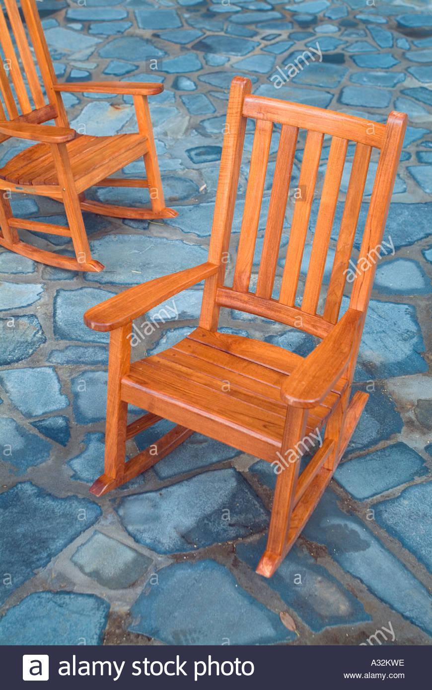 Schaukelstuhl Terrasse Holz
