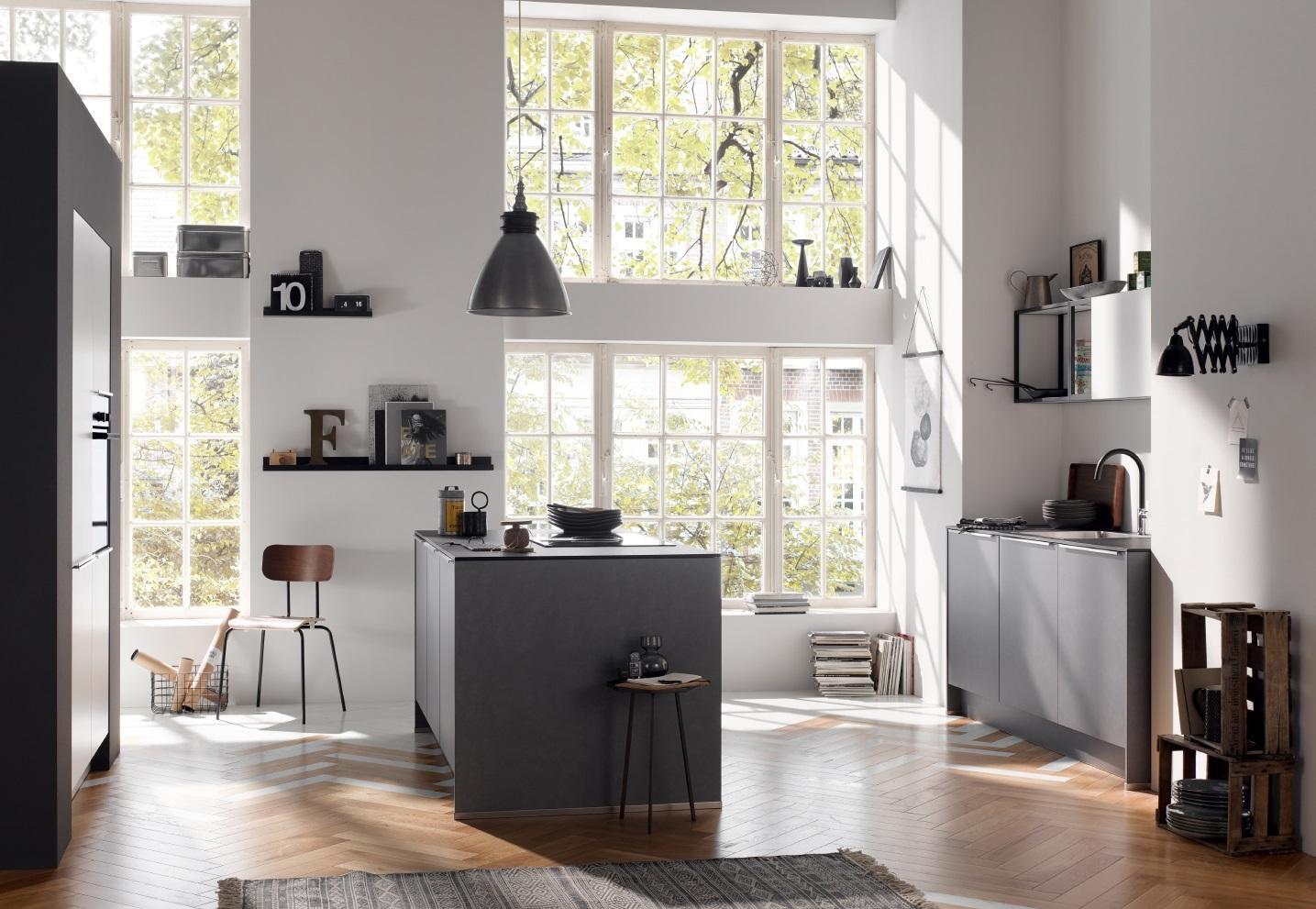 Schwarze Küche Klein