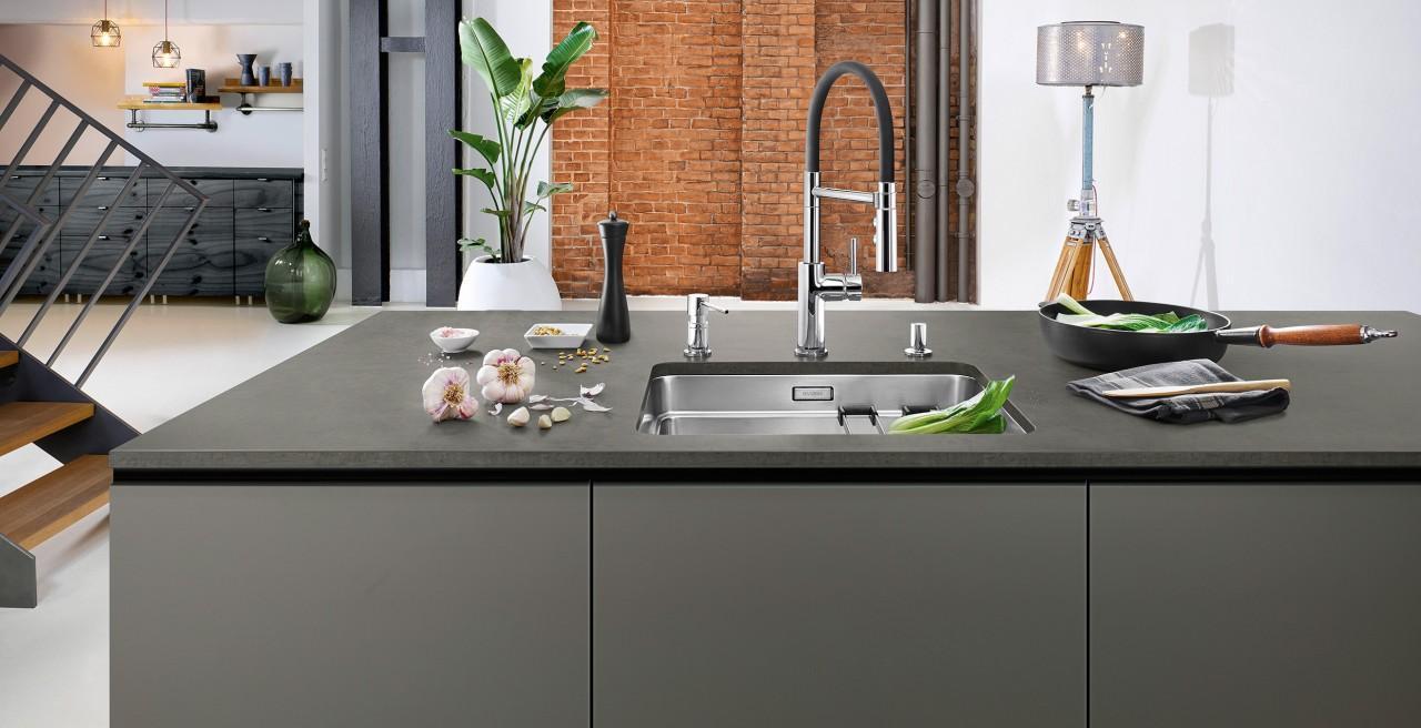 Schwarze Waschbecken Küche