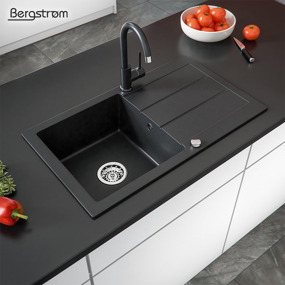 Schwarzes Waschbecken Küche