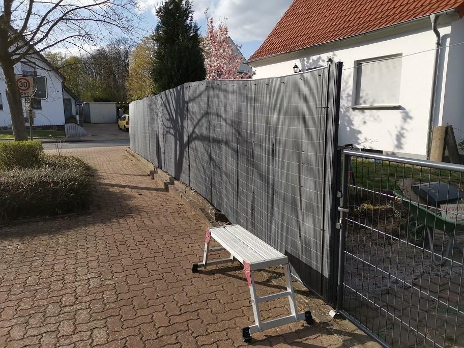 Sichtschutz Gartentor Blickdicht Machen