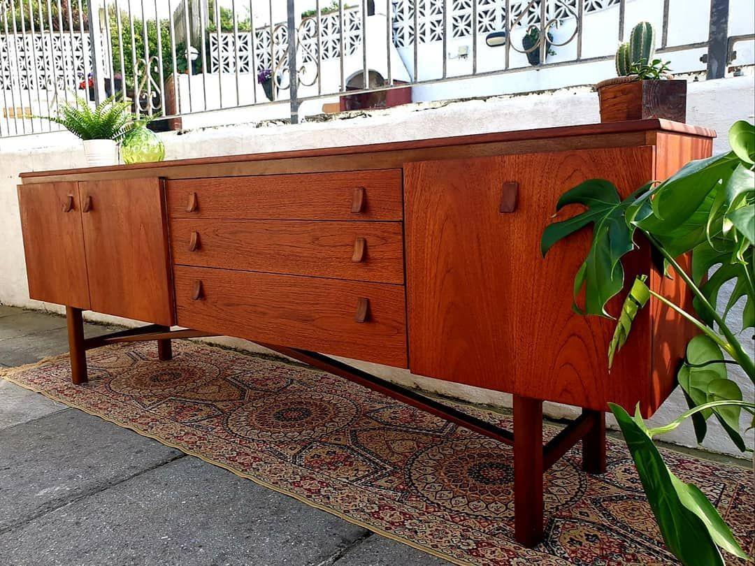 Sideboard Vintage Style