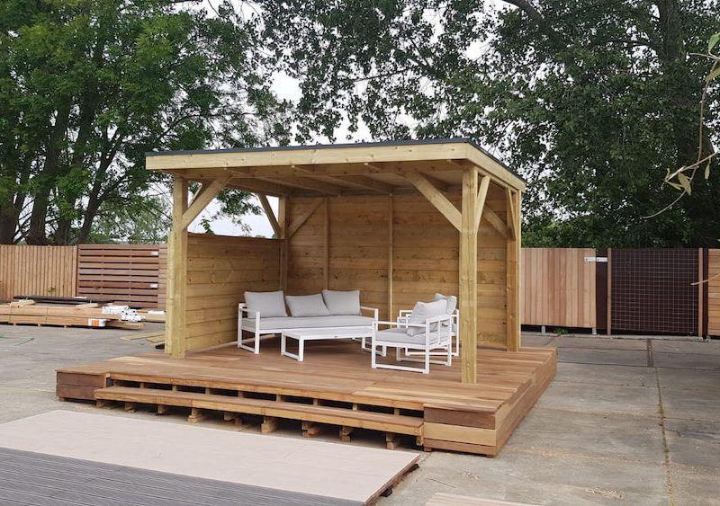 Sitzecke Garten Holz