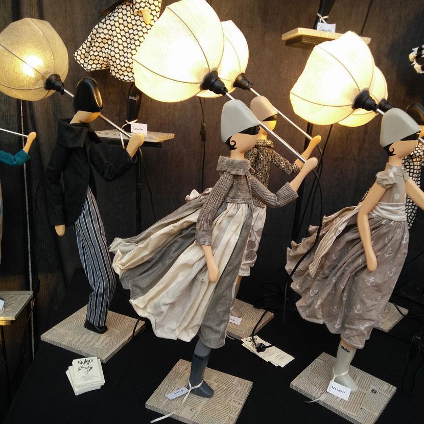 Skitso Lampe Frau Mit Schirm