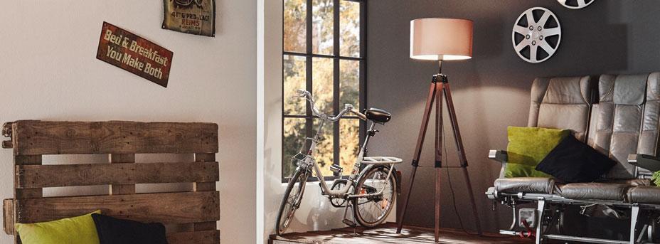 Stehlampe Wohnzimmer Holz