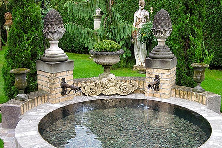 Steinbrunnen Garten Rund