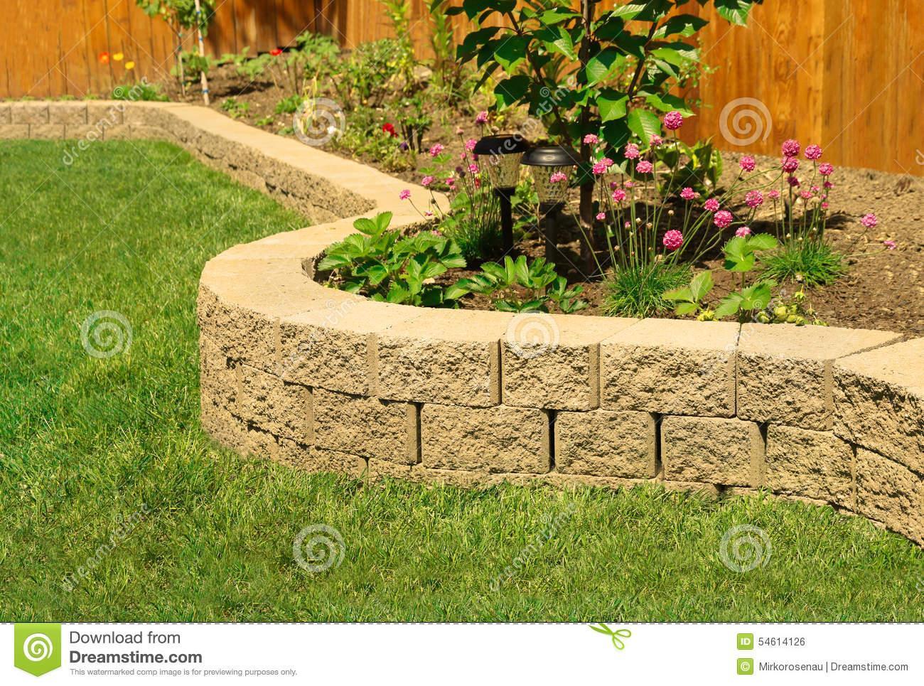 Steinwand Im Garten