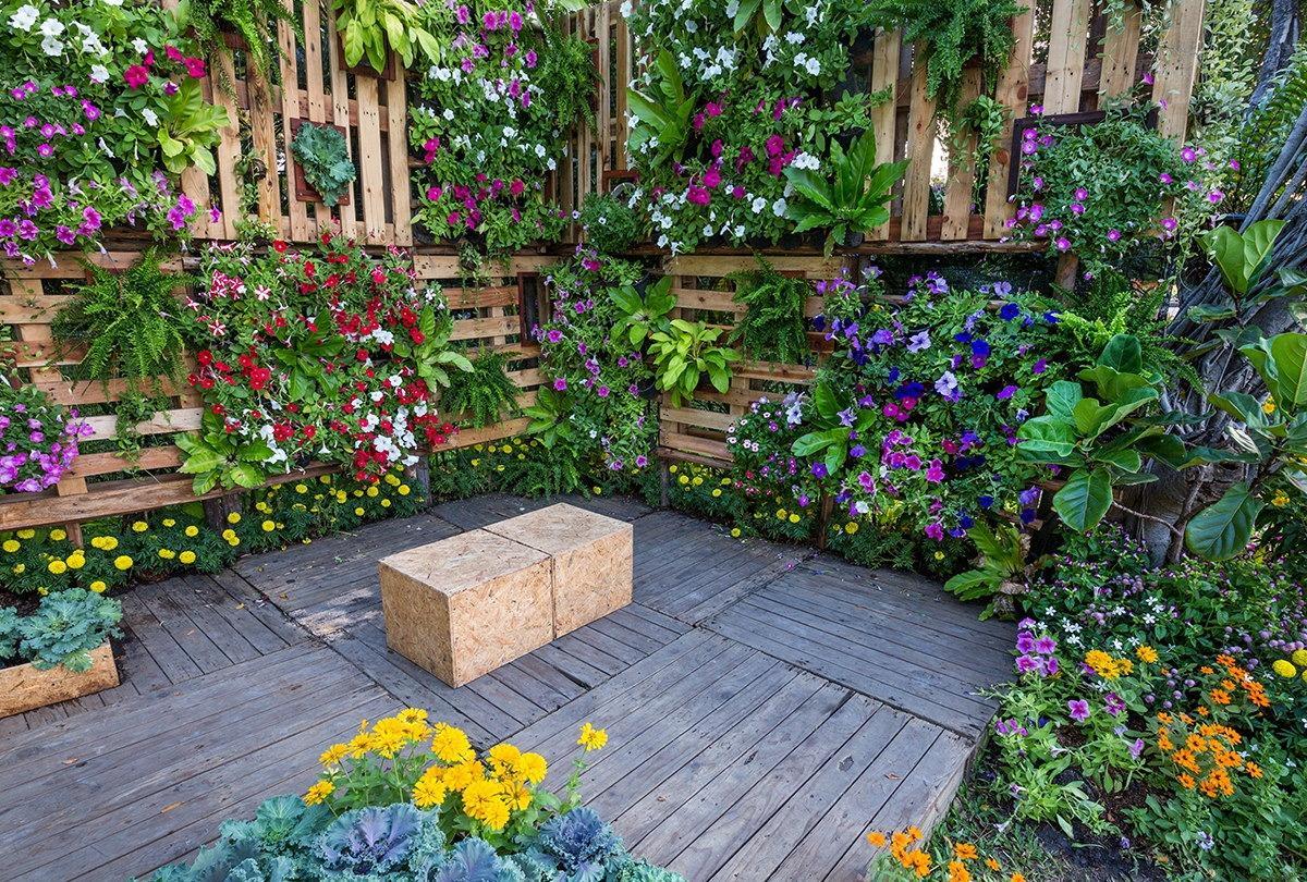 Vertikaler Garten Bewässerung