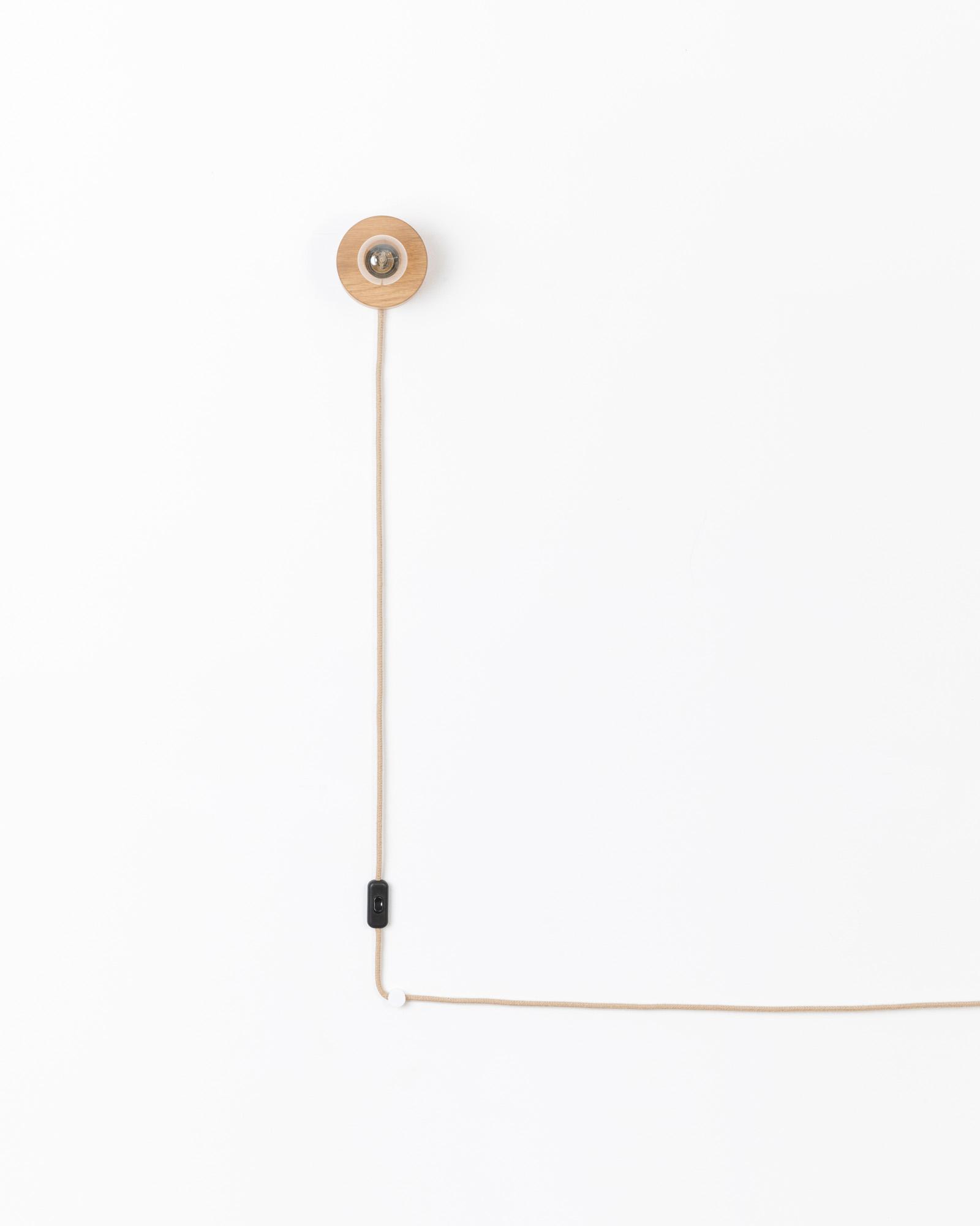 Wandleuchte Mit Kabel Und Stecker