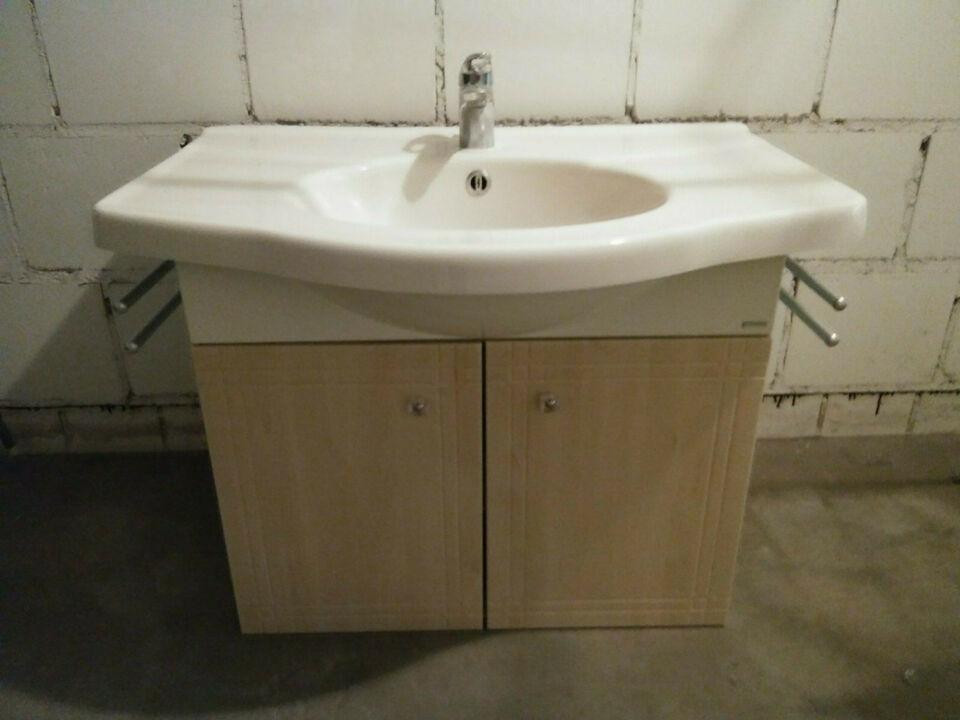 Waschbecken Mit Unterschrank Und Handtuchhalter