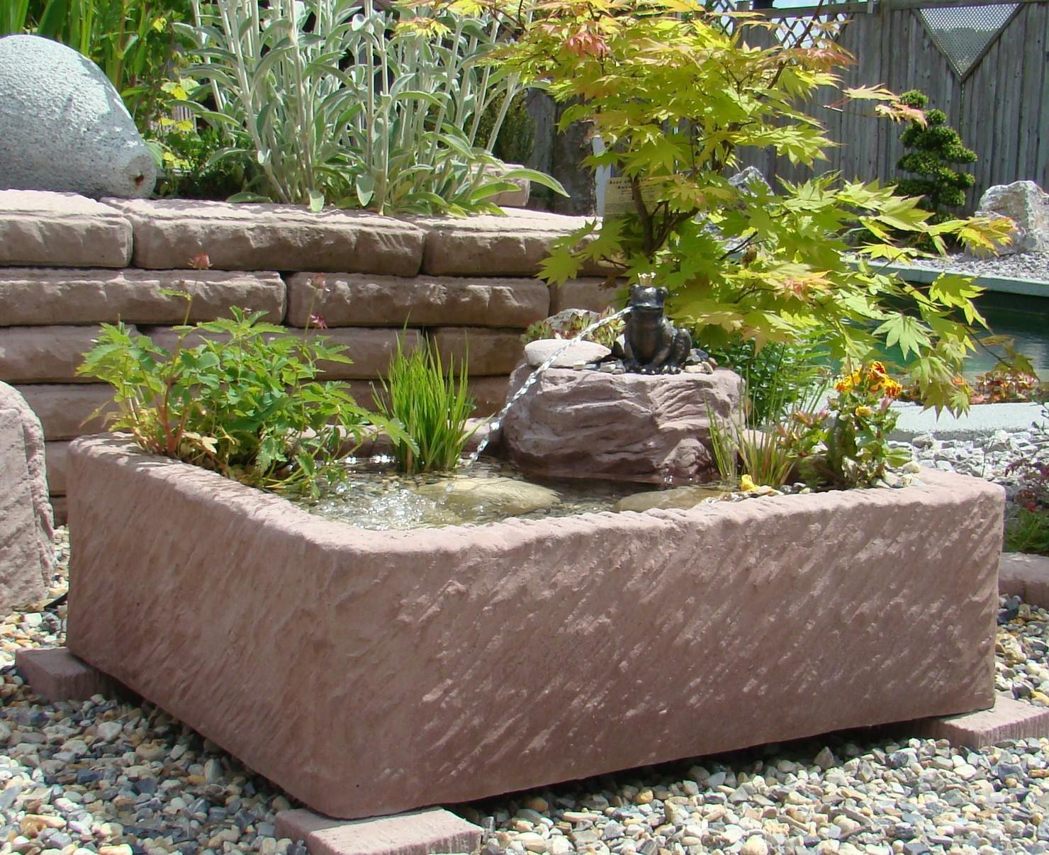 Wasserspiel Garten Klein