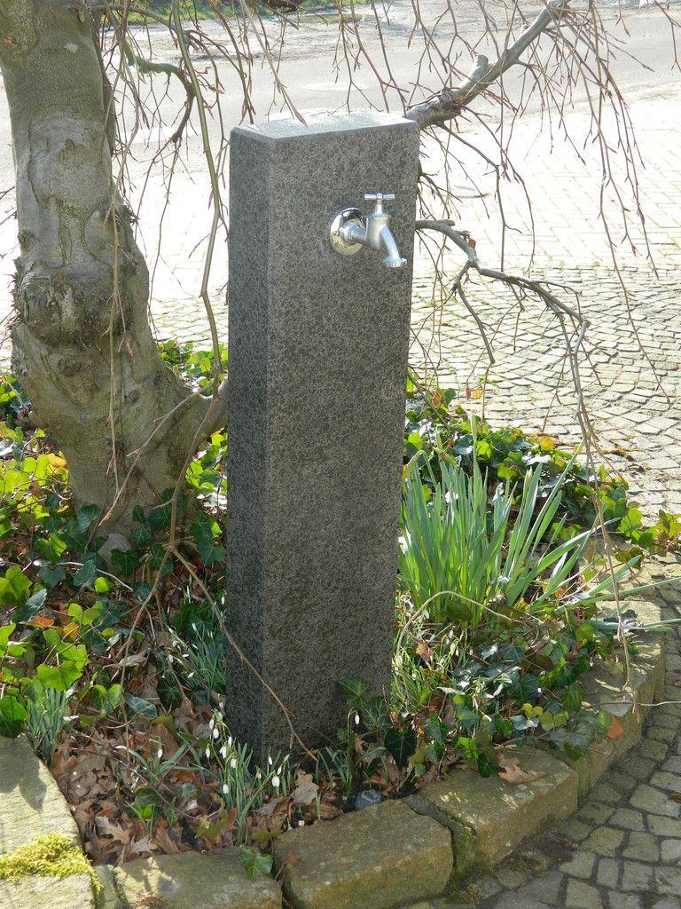 Wasserzapfsäule Granit Naturstein