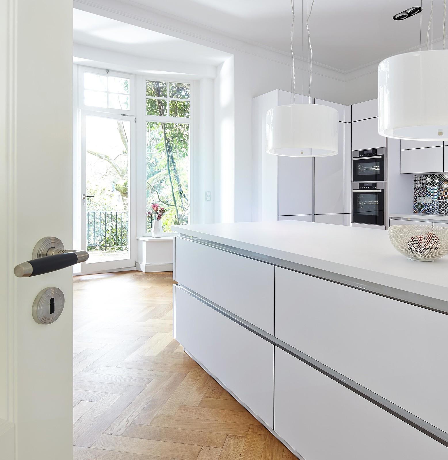 Weiße Küche Mit Holz