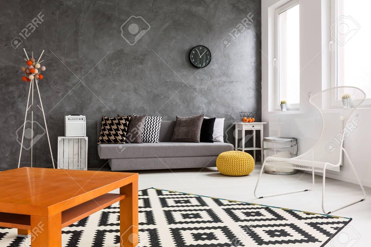 Wohnzimmer Braun Weiß Orange