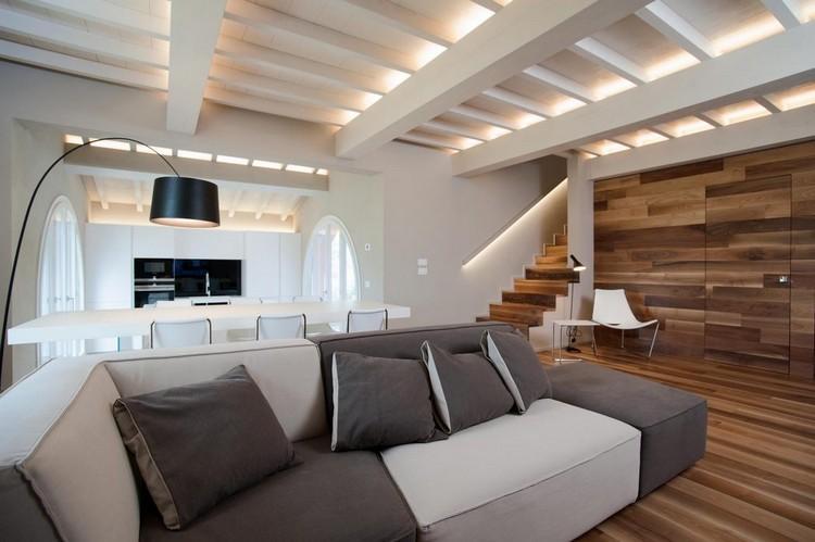 Wohnzimmer Holzbalkendecke Beleuchtung