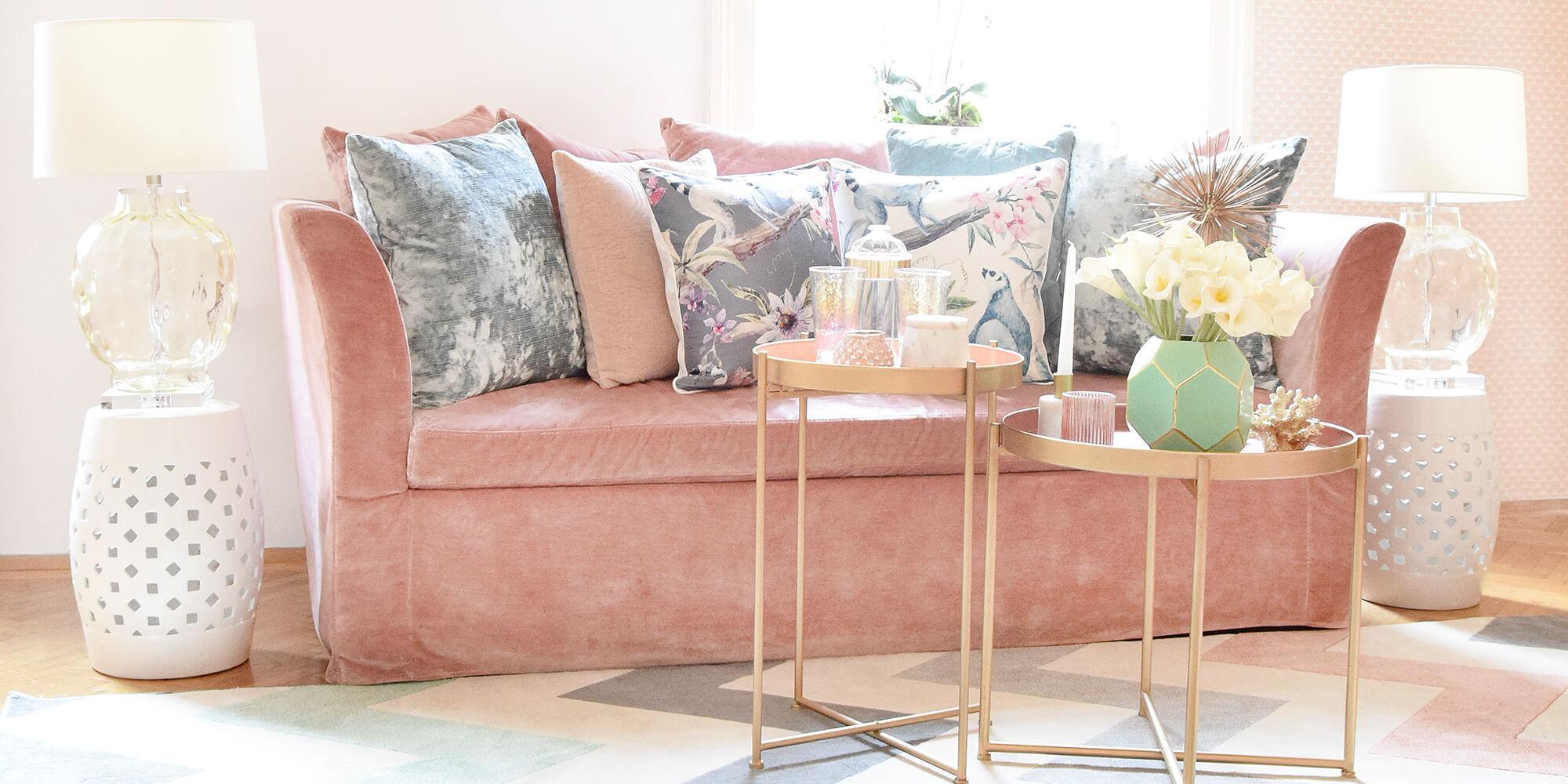 Wohnzimmer Rosa Sofa
