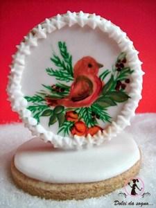 Biscotti decorati in ghiaccia reale bianca, e dipinti con colori alimentari. Semplici da realizzare, buoni da mangiare.