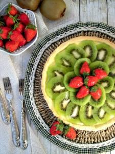 crostata di kiwi fragole e crema di cioccolato