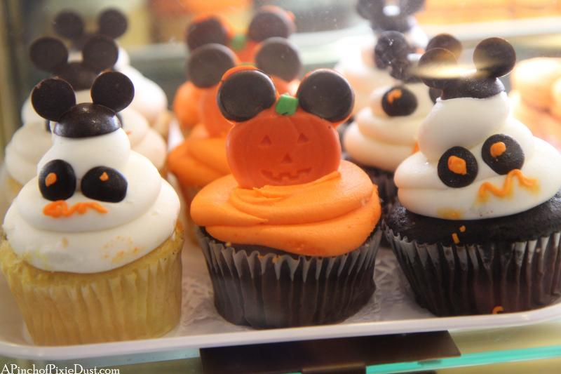 walt_disney_world_halloween_cupcakes
