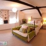 Drws-y-Nant - Bedroom 1