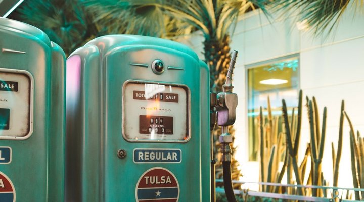 8 Practical Ways to Save Money on Gas this Summer
