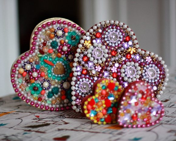 Make A Mardi Gras Heart Box Dollar Store Crafts