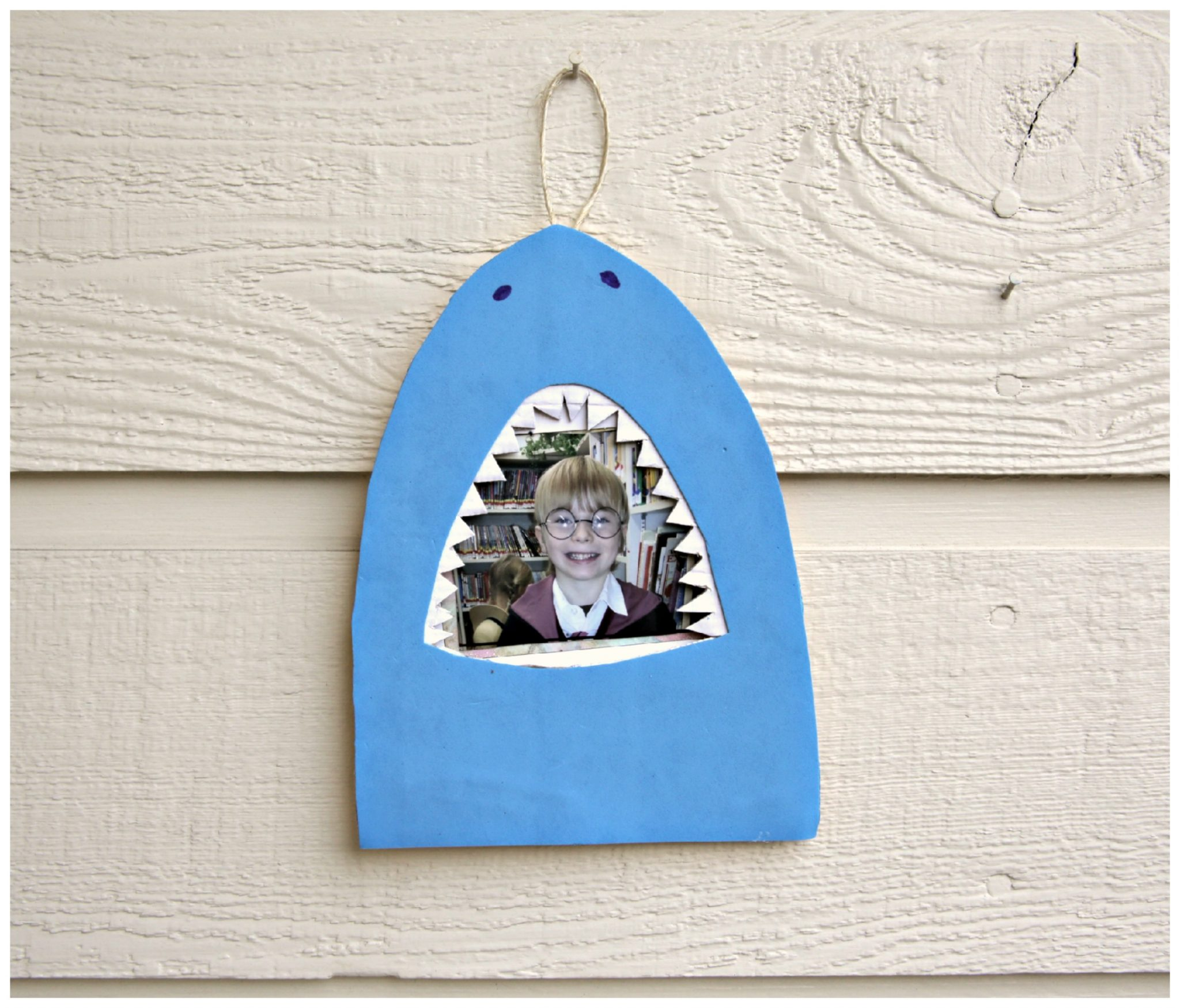 Tutorial Shark Bite Picture Frame Dollar Store Crafts
