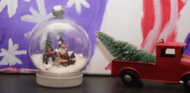 DIY Christmas Snow Globes