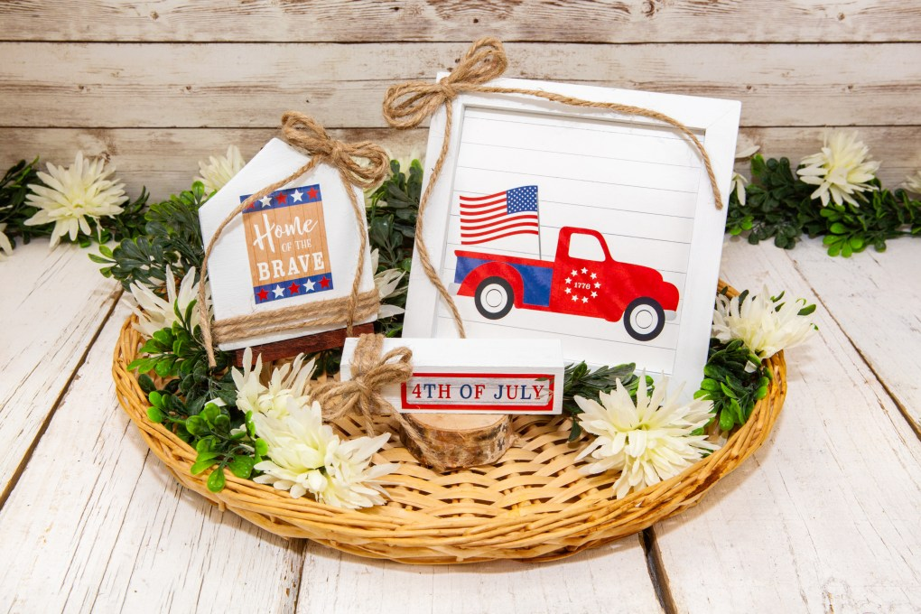 Finished DIY 4th of July Patriotic Truck Home Decor