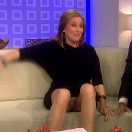 Meredith Viera needs a Royal trainer to teach her how to close up her legs when on a short skirt....LOL