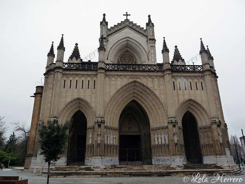 catedral gárgolas neogótico