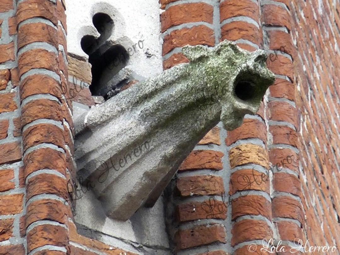 Gárgola Edificio Correos Brujas (Bélgica) (387)