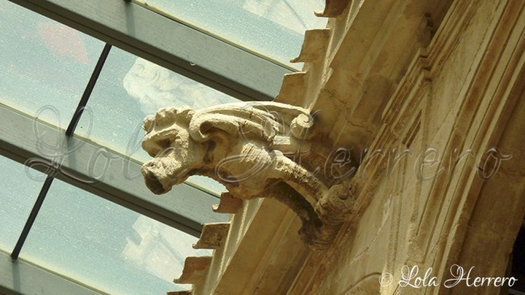 gargoyle grotesque monster