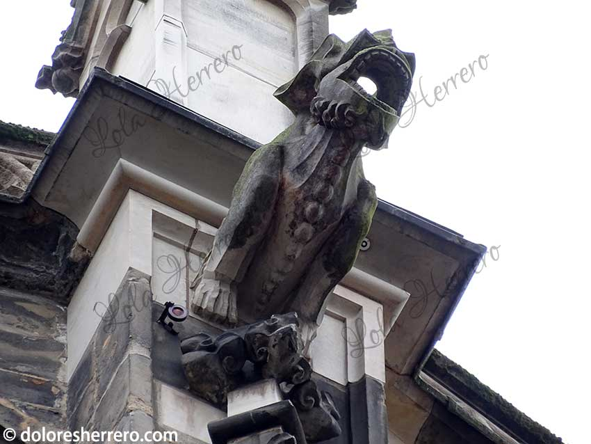 demonio simbología gárgola