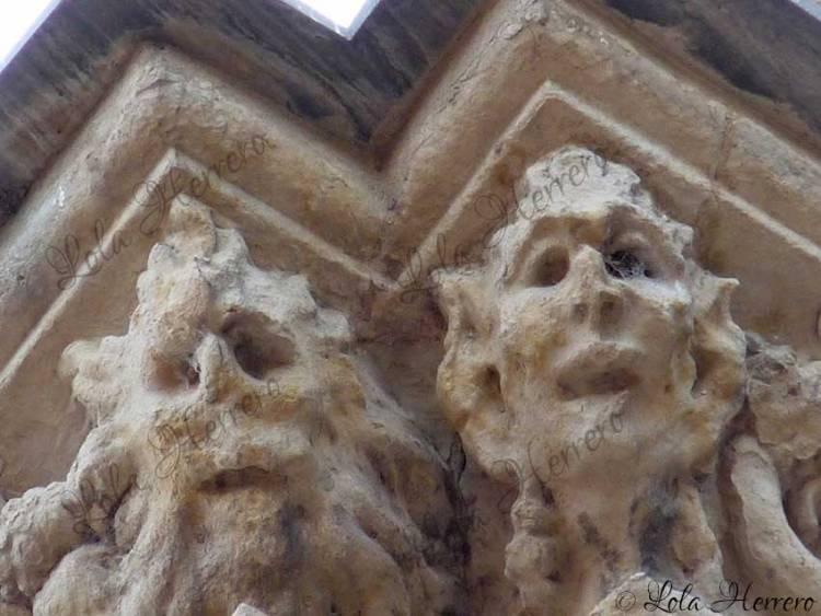 grotescos monstruos gárgolas