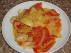 kartofelj-s-pomidorami-i-lukom