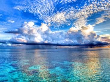Тучи над морем