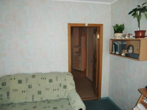 Двери маленькой комнаты