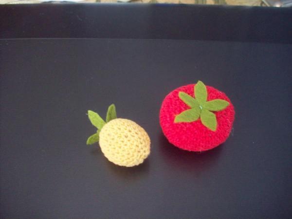 Помидор и ягода